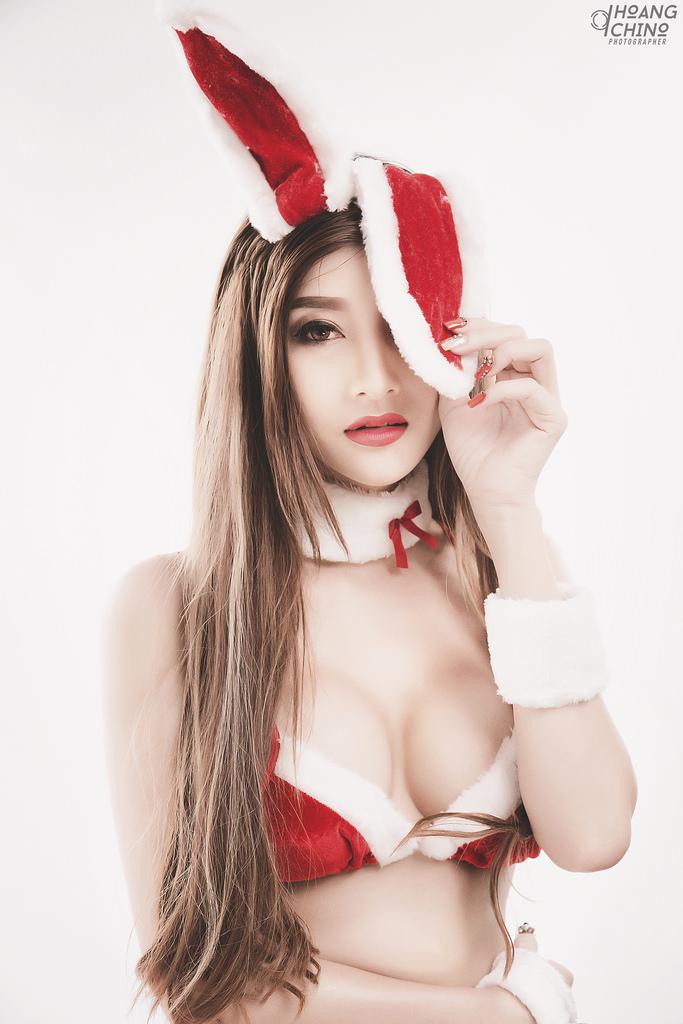 Kim Lê bikini Noel món quà Thỏ yêu photo Hoàng Chino