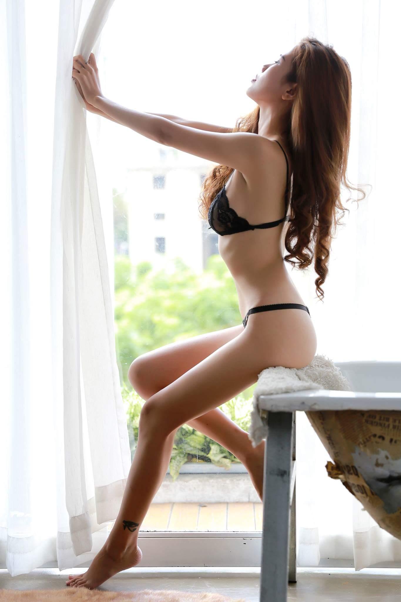 Mẫu xịn thân hình khiêu gợi photo Trần Thanh Kỳ