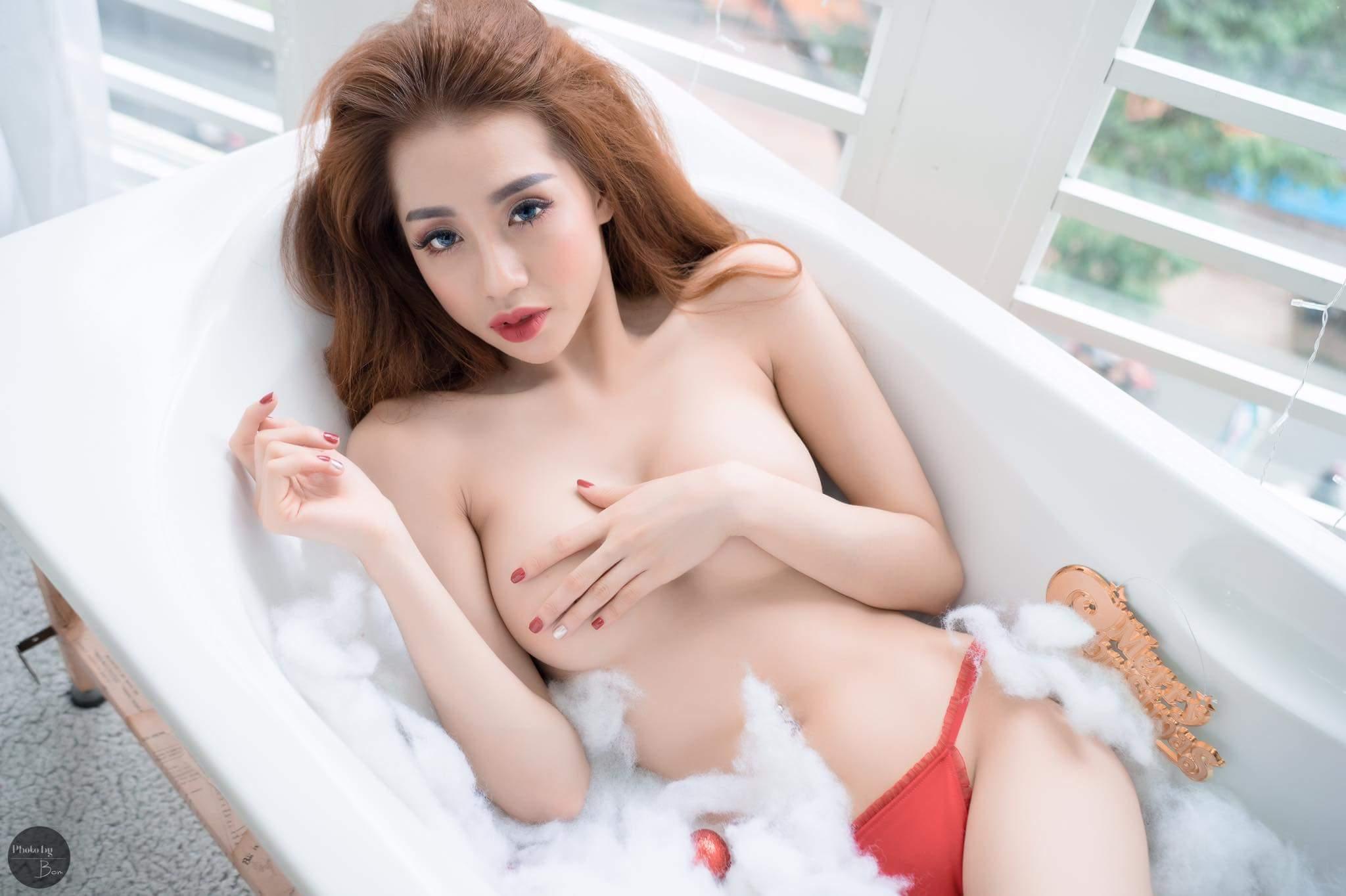 Nhi Tưng bikini Jingle Bells sexy photo Huỳnh Hưng Phát