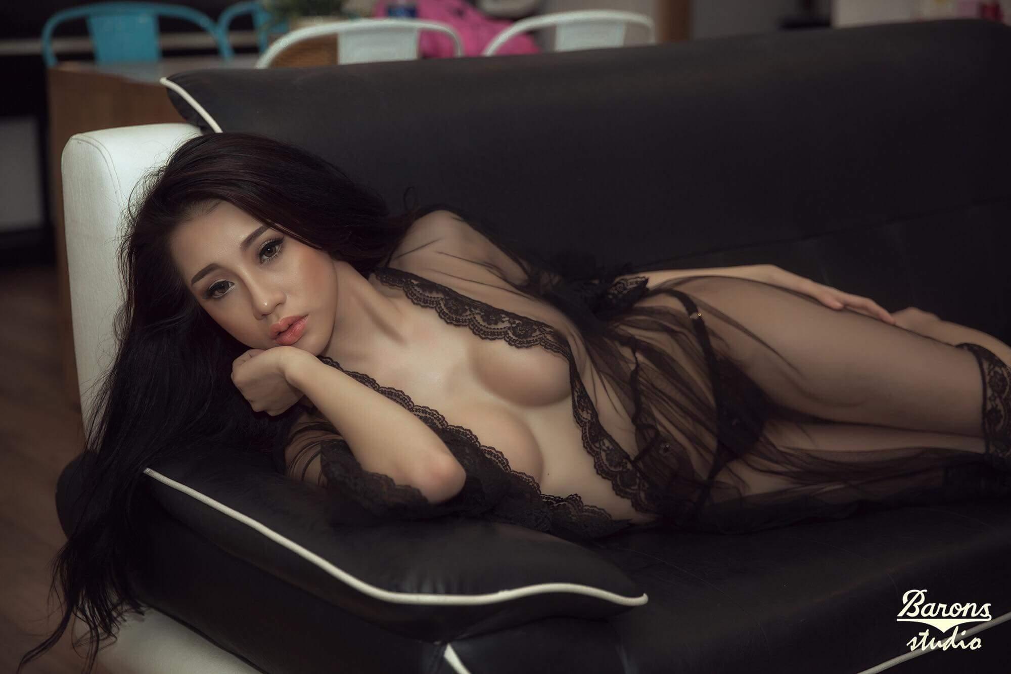 Nhi Tưng sexy forever dâm dục photo Phong Baron