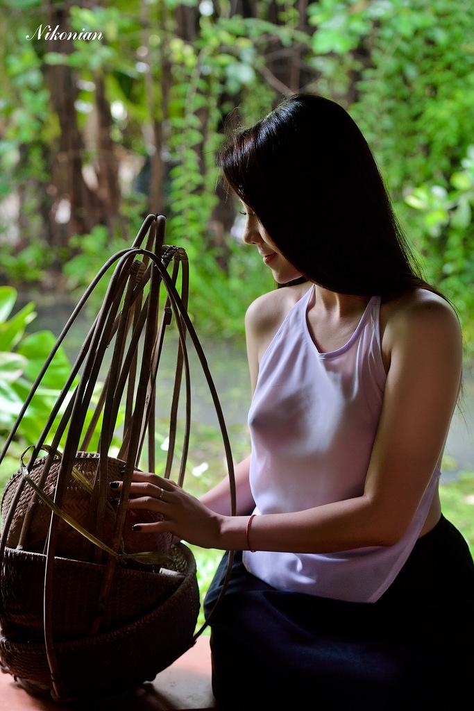 Xuân Poly nude yếm xưa photo Nguyễn Ngọc Trung