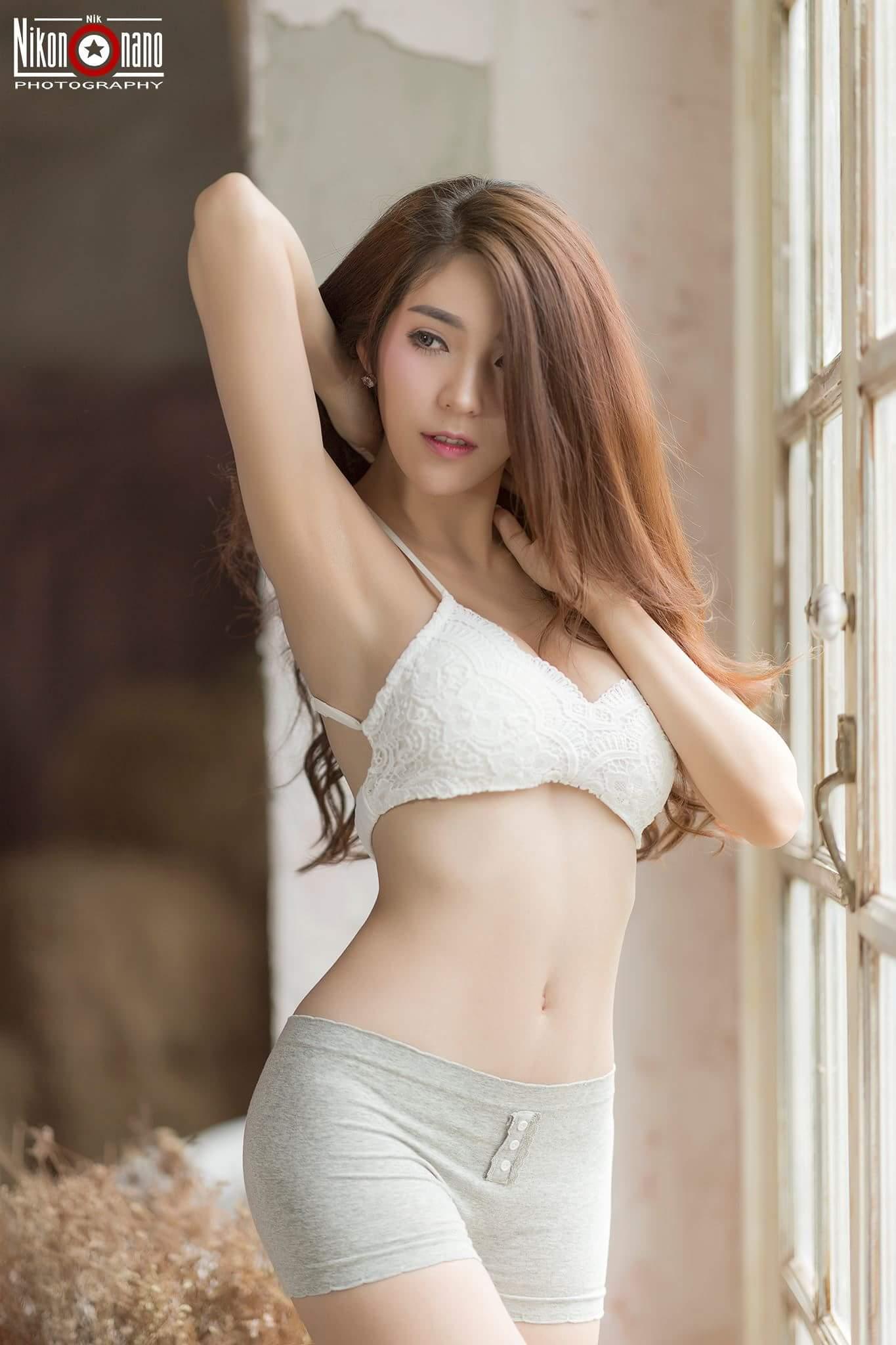Người đẹp điệu đà đường cong siêu quyến rũ