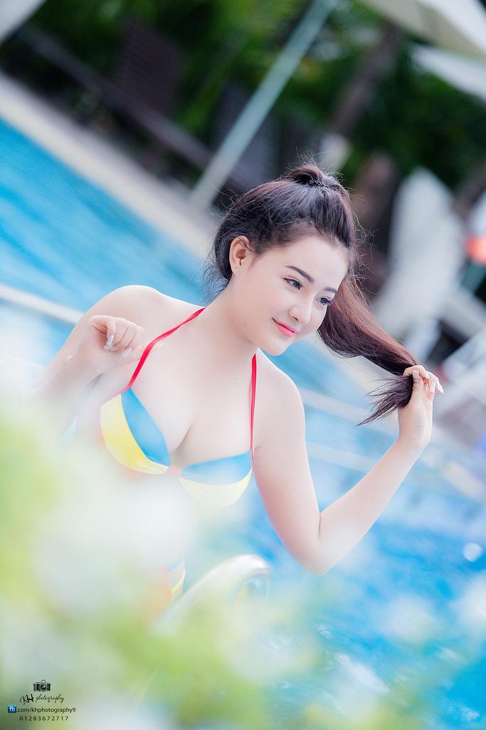 Ngân Pokemon bikini pool sexy bốc lửa khó thở