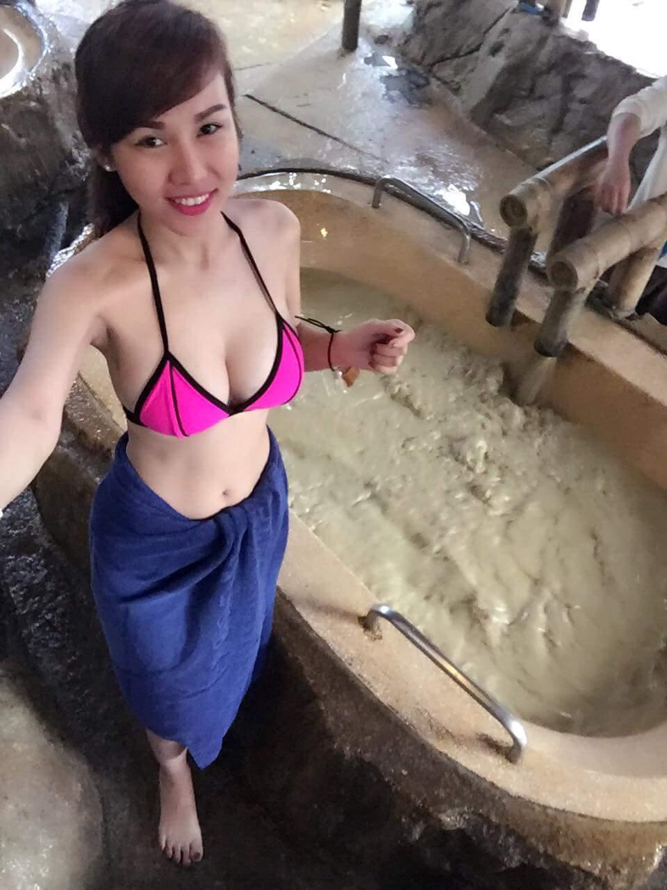 JoJo Trần tắm bùn và hậu trường chụp ảnh cực sexy