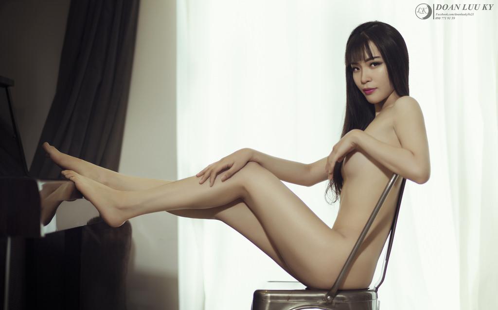 Phan Thảo nude đường cong chữ S photo Đoàn Lưu Ký